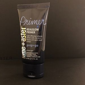 NEW Lune + Aster Realglow Primer